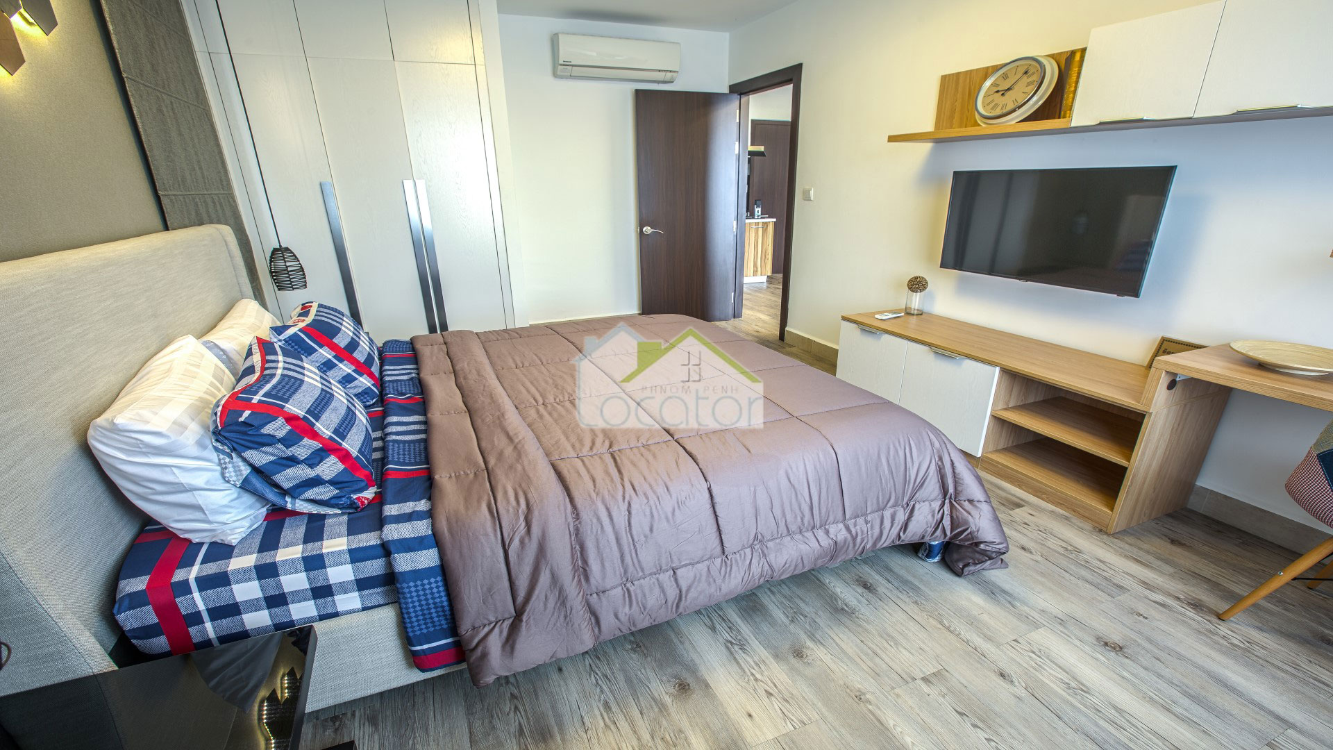 Luxury 02 Bedroom with 01 Bing Livingroom For small family Serviced Apartment for Sale or Rent